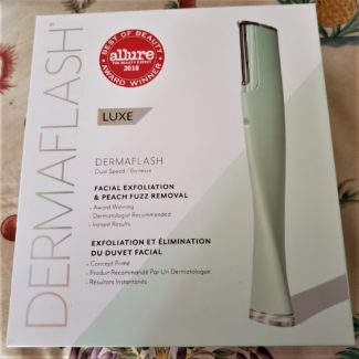 for exfoliating skincare feature on advicesisters.com Dermaflash box